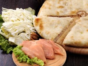 Пирог с сыром, курицей и капустой